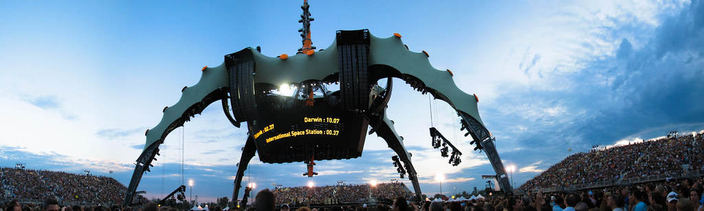The Claw - U2 360° Tour Montréal 2011