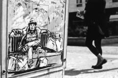 Passante (Valt3r Rav3ra - DEVOted!) Tags: blackandwhite bw film 35mm milano persone biancoenero nikonf90x ilfordfp4 analogico valt3r