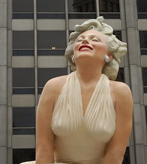 "Larger Than Life in Chicago - Seward Johnson's ""Forever Marilyn"" Sculpture"