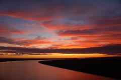 Seguindo adiante... (Eduardo Amorim) Tags: sunset brazil southamerica brasil atardecer prdosol pelotas riograndedosul poniente coucherdesoleil brsil entardecer amricadosul poente amriquedusu