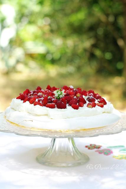 Wild strawberry pavlova