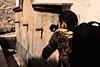 En plena faena (Jose Casielles) Tags: fuente fotógrafo fotografiando yecla escena caños chorros letur fotografíasjcasielles