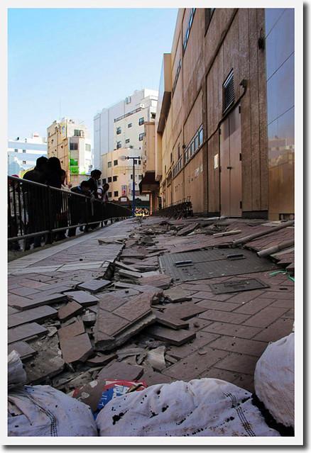 110313_150835_横浜_地震爪痕