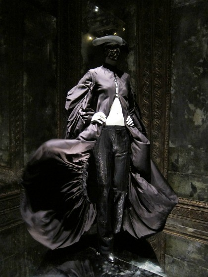 alexander-mcqueen-savage-beauty-met-museum-nyc