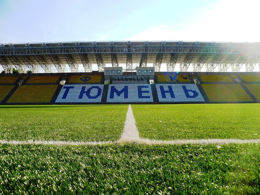 Искусственный газон стадиона ФК
