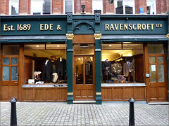 EDE & RAVENSCROFT London (oxfordian.world) Tags: uk england london taylor wigs robes 1689 ederavenscroft oxfordian legalwigs oxfordianworld oxfordiankissuth