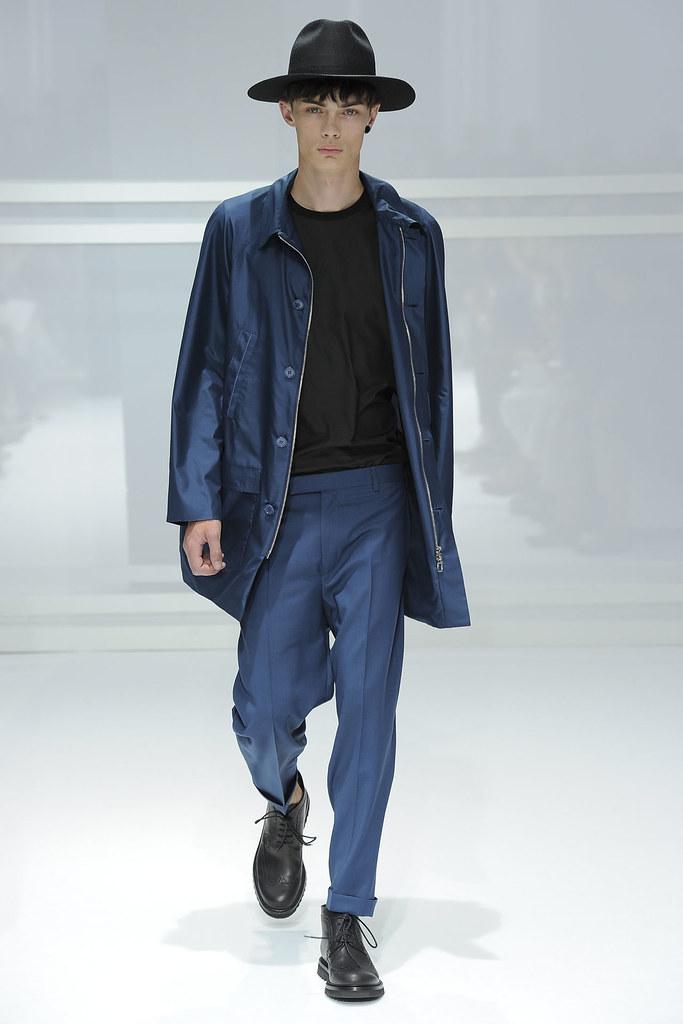 SS12 Paris Dior Homme034_Simon Kotyk(VOGUEcom)