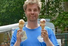 ice cream (estherase) Tags: emssimp findleastinteresting 0f jon noj nojjohnson friend icecream iatethis nomnomnom cornet at friends