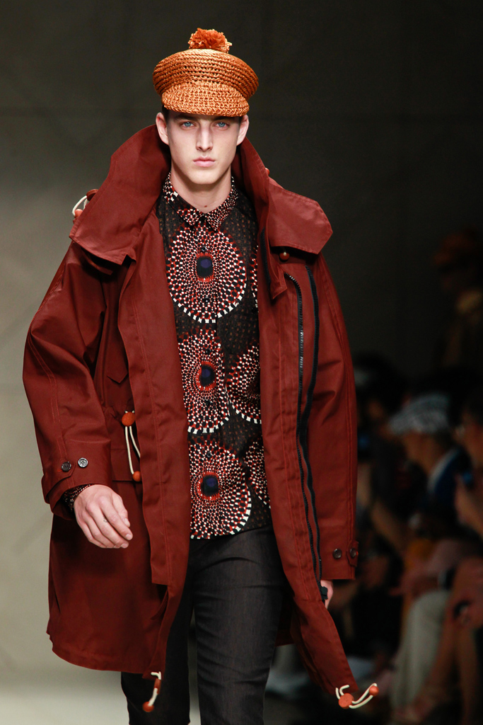 James Smith3410_SS12 Milan Burberry Prorsum(VOGUEcom)