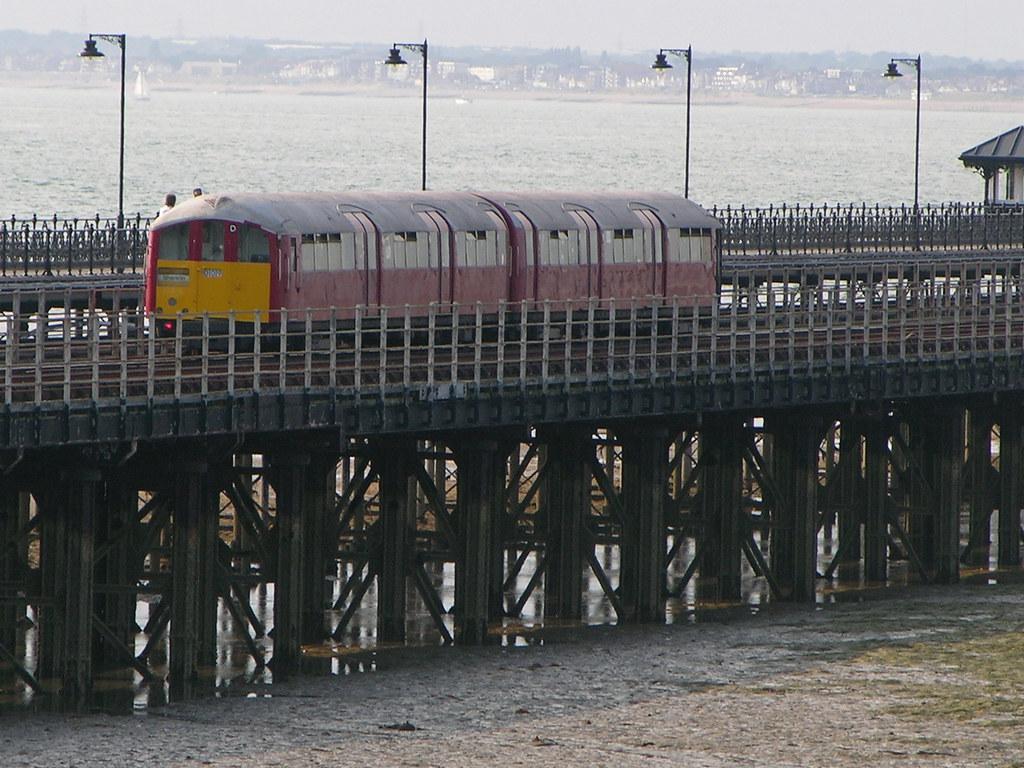 Isle of Wight Island Line Class 483
