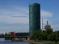 Frankfurt, Gutleutviertel, Westhafen-Tower (HEN-Magonza) Tags: frankfurt main westhafentower geripptes hochhaus highrisebuilding heizkraftwerk thermalpowerstation gutleutviertel hessen hesse deutschland germany wolkenkratzer skyscraper