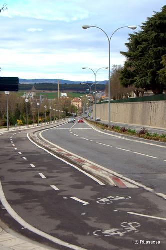 Bajada desde la Avenida de Pío XII al barrio de Echavacóiz.