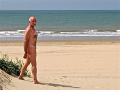 Royan La Palmyre 213 (bernard-paris) Tags: france beach vacances plage naturisme nudebeach royan lapalmyre plagenaturiste