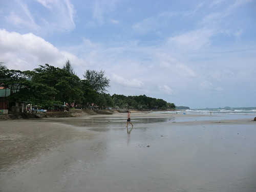 White Sand Beach near Banpu Restaurant in Ko Chang