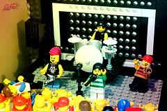 THERE'S A CONCERT IN MY ROOM! (*MAX photos*) Tags: party concert lego live room concerto luci festa colori stanza suoni festeggiamenti