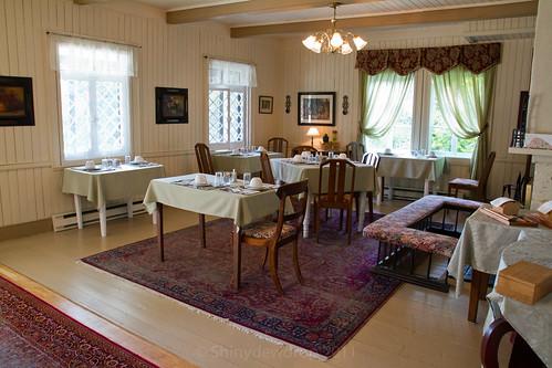 Auberge La Chatelaine - Dining Area