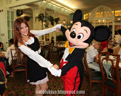 mickey and i at breakfast