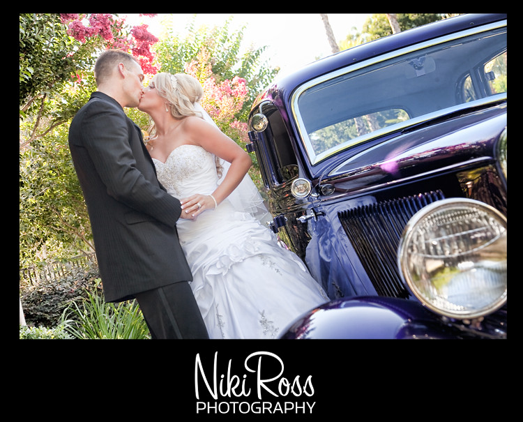 bride-groom-oldcar