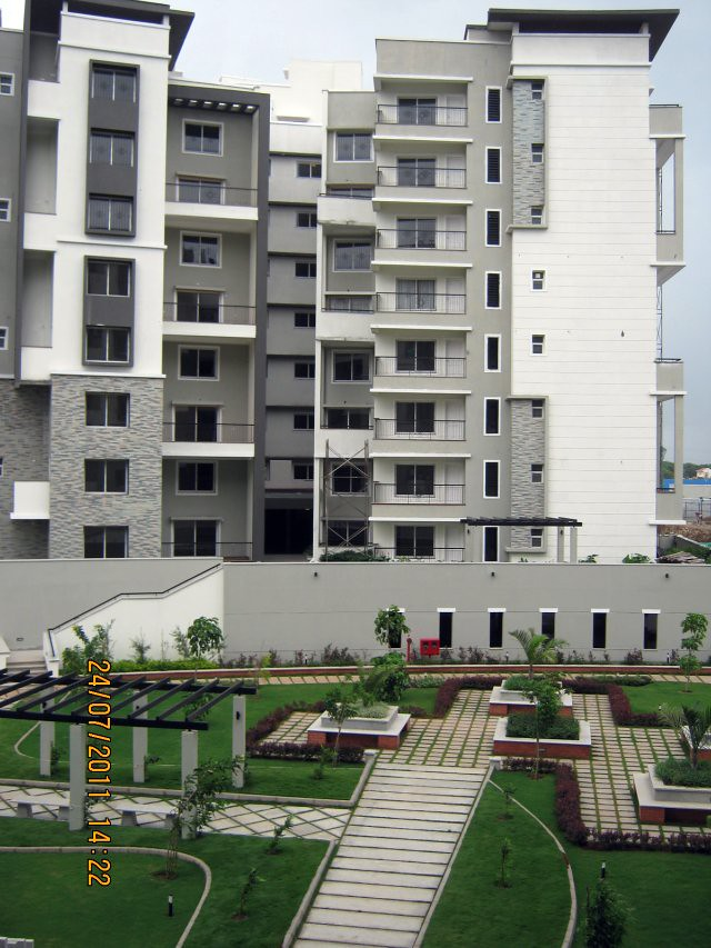"Podium Garden at Sobha Carnation - on the day of launch of ""Sobha Garnet - 3 BHK & 4 BHK Flats"" - off NIBM Road -  at Kondhwa - Pune -640"
