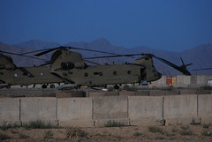 Chinook parking only (10th CAB) Tags: sharana 10thcab 10thcombataviationbrigade tffalcon tfattack