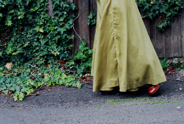 green maxi skirt e