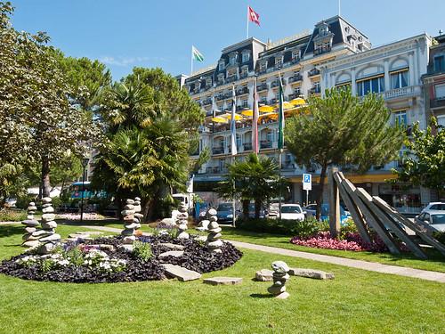 Grand Hotel - wacky statues