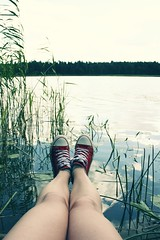207/365 Lake Legs (Laine Apine) Tags: lake selfportrait nature myself shoes legs naturallight sneakers project365 365days 2607