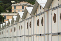 Cabine (picardi.giuseppe) Tags: italia liguria porte cabine arenzano canoneos500d stabilimentibalneari