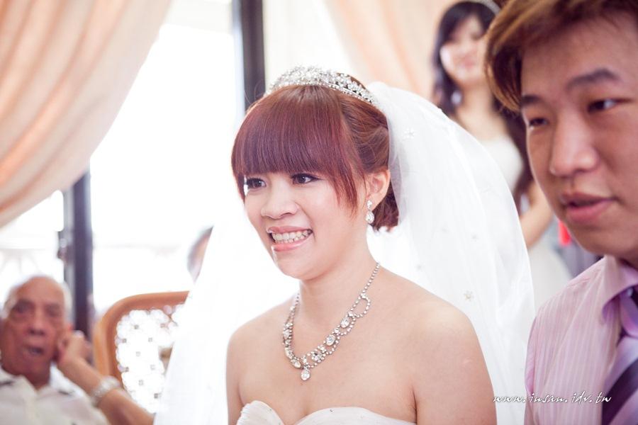 wed110619_375