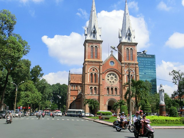 Notre Dame Cathedral(サイゴン大教会-ノートルダム大聖堂) - Ho Chi Minh City , Vietnam