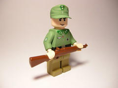 Gebirgsjger Riflemen LEGO (MR. Jens) Tags: world two mountain field germany soldier war wwii cap german ww2 edelweiss troop soldat riflemen m43 edelweis gebirgsjger