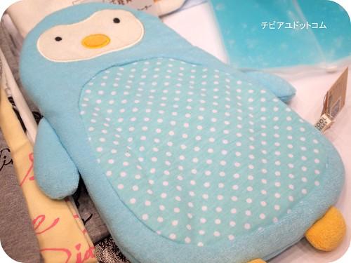 ひんやり抱き枕 スクロール cool penguin pillow