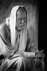 The Blind Man (Ali Buhligah) Tags: old white man black canon blind east tarot saudi arabia 5d mkii qatif السعودية العربية المملكة مارك القطيف ضرير كانون رجل دي تارت ٥ ٢