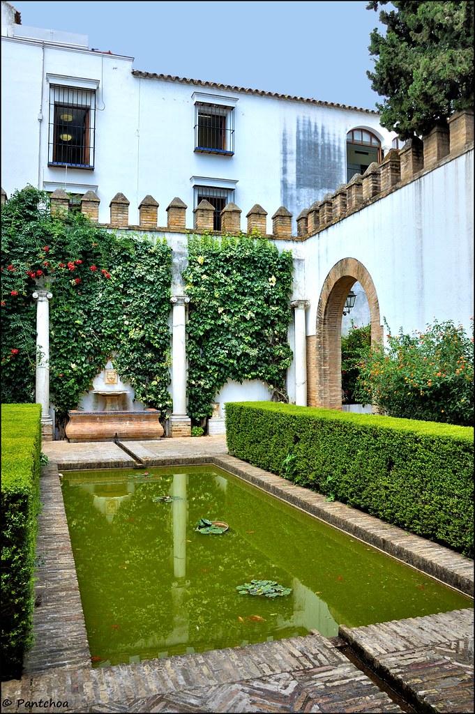 Sevilla : Alcázar : Patio de los Poetas
