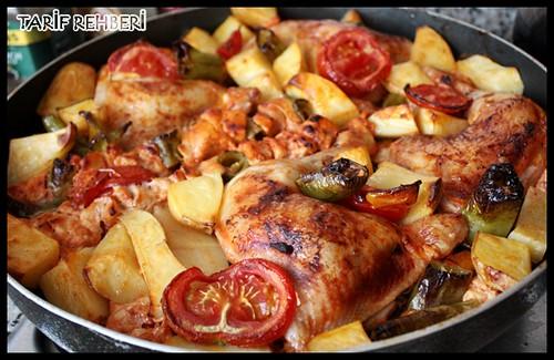 tavuklu patatesli fırın yemeği