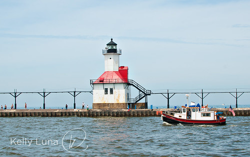 Silver Beach-Lighthouse-Tugboat