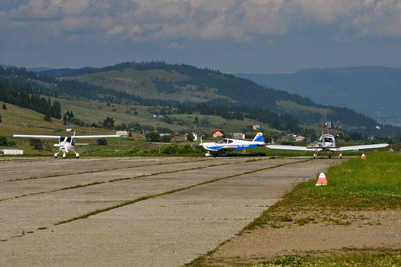 Suceava, Vatra Dornei - Aerodromul Floreni (LRFL) - Pagina 6 5919189581_bfa87d121f_o