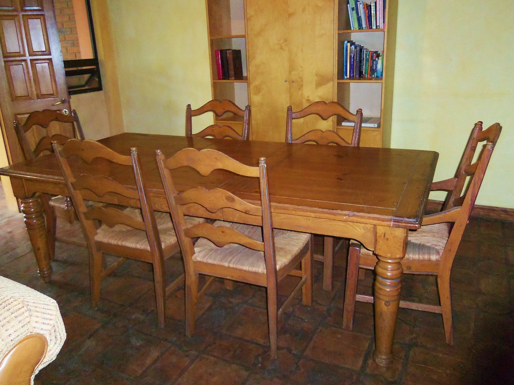 'Country French' OAK Dining Table  ~ $650.00 OBO ~
