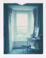 A room of one's own (emilie79*) Tags: england room bb polaroid180 iduvfilm