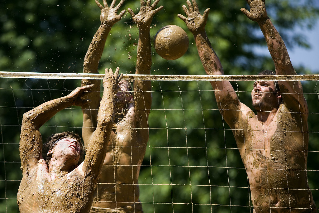 Mudvolleyball02