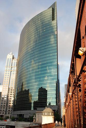 333 West Wacker - chicago_bear
