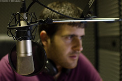Francesco Tomassi (S.Cesaroni) Tags: portrait music radio dj web iso note musica microphone oriente oriental 800 ritratto webradio microfono makemusic doriente