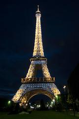 Torre Eiffel at Night ( Yoly ) Tags: lighting mars paris tower architecture night noche arquitectura exposure torre champs eiffel montmartre torreeiffel francia hdr iluminacion photmatix