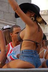 11 MADRID PRIDE  1780 copia (Cazador de imgenes) Tags: madrid street gay espaa woman color colour girl hat female d50 nude donna rainbow mujer spain nikon breasts flickr tit tits fiesta chica candid streetphotography glbt pride 11 parade jeans bikini prideparade lgbt short topless streetphoto sombrero pamela spanien spagna bobs spanje ragazza gayprideparade niples paradagay spania chueca pecho pezones pezon orgullogay mado orgullo spange braless 2011 lgtb niple orgullomadrid minishort rainbowparty madridpride madridgay pridemadrid rainbowpartie pride2011 orgullo2011 orgullo11 planetpride madridpride2011