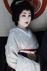Geiko in The Gion Matsuri Festival (Teruhide Tomori) Tags: travel festival japan kyoto traditional event geiko     gionmatsuri        yamaboko ichiteru