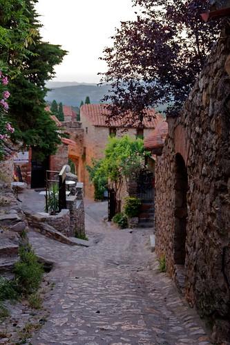 Castelnou, the historic village by Ingwii
