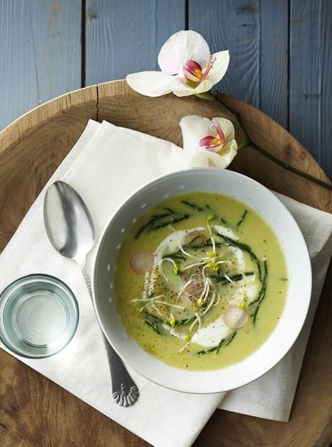 9 Yvette Van Boven (St)-Seaweed Green Pureed Soup