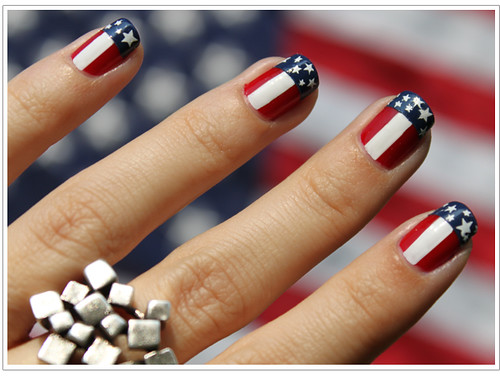 americanFlagManicureForth4thOfJulyManicure