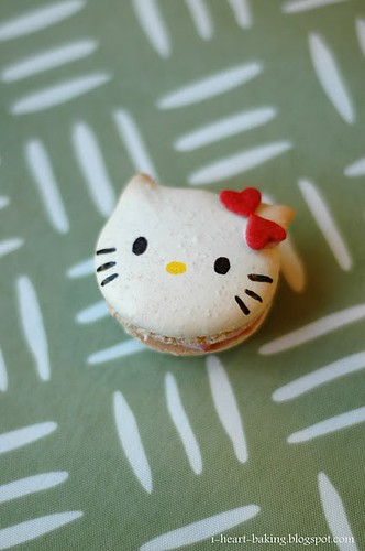 13 I Heart Baking Hello Kitty Macarons