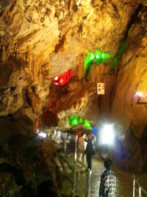 飛騨大鍾乳洞の吹き抜けの写真